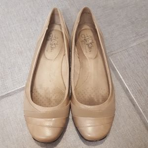 Life Stride Soft System Light Tan Flats